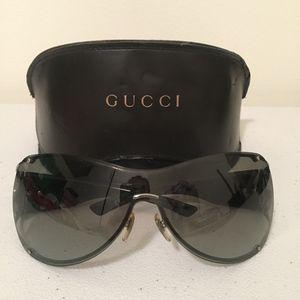 Authentic Gucci Women Sunglasses W/ Cloth and Case